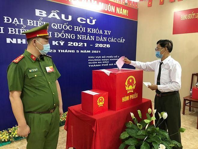 Công an Hà Nội: Đảm bảo tuyệt đối an toàn ngày bầu cử, căng sức trên tuyến đầu phòng chống dịch bệnh ảnh 10