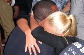 Ashley Cole quên lời hứa cới Cheryl, lại đi với gái