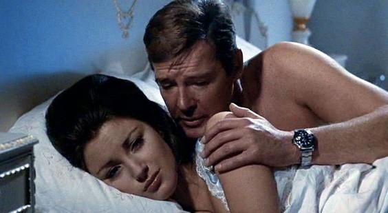 """Đấu giá đồng hồ """"siêu độc"""" của điệp viên 007"""