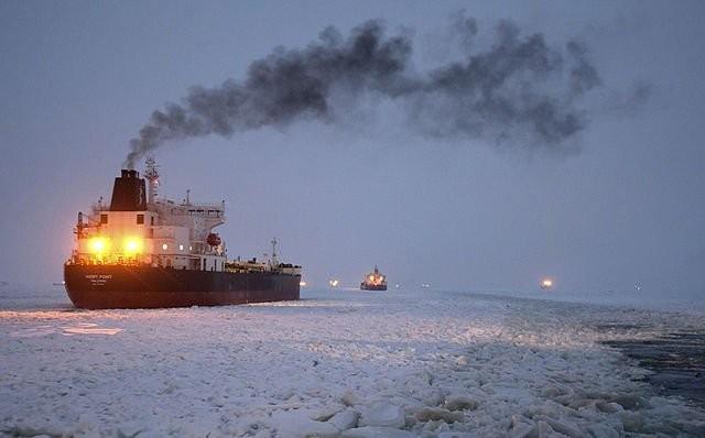 Nga: Cháy trên tàu phá băng nguyên tử, 2 người chết ảnh 1