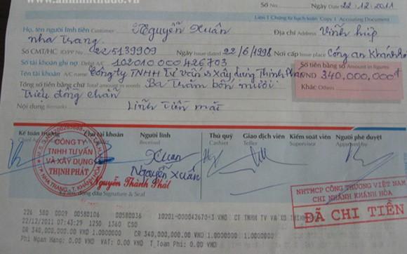 Nhân viên giả chữ ký của giám đốc để rút tiền ngân hàng ảnh 2