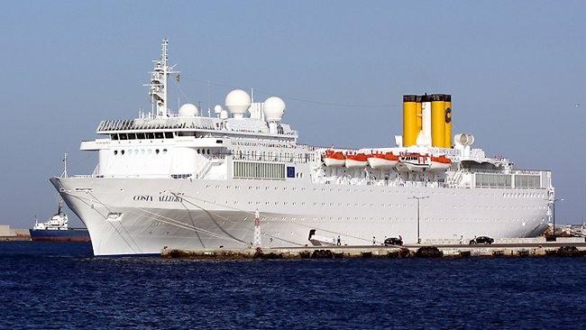 Tàu du lịch Italia chở hơn 1.000 người bốc cháy trên biển ảnh 1