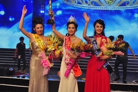Hoa hậu Đặng Thu Thảo với những hình ảnh hút hồn phái mạnh ảnh 1