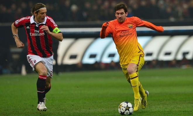 AC Milan thắng Barca, Balotelli xỉa xói Messi ảnh 1