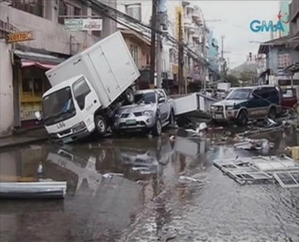 Kinh sợ: Hơn 1.200 người chết vì bão Haiyan ảnh 3