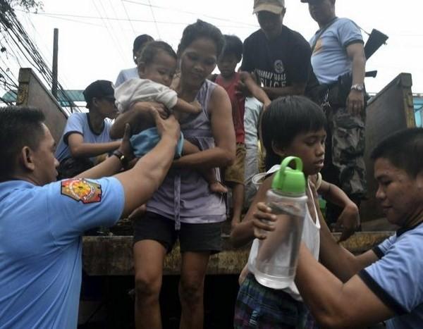 Kinh sợ: Hơn 1.200 người chết vì bão Haiyan ảnh 2