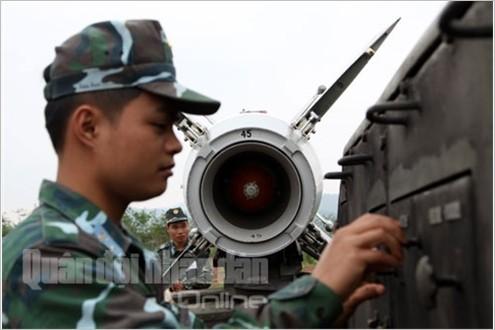 Bắn nghiệm thu tên lửa cải tiến: Tên lửa xé trời tìm diệt mục tiêu ảnh 4