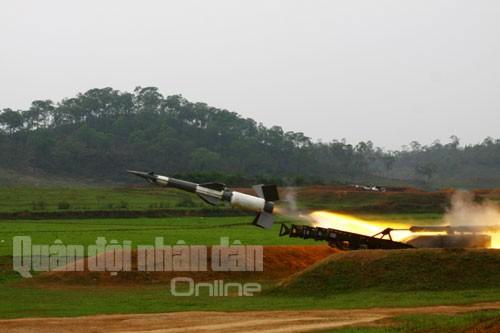 Bắn nghiệm thu tên lửa cải tiến: Tên lửa xé trời tìm diệt mục tiêu ảnh 11