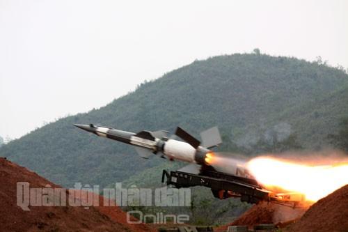Bắn nghiệm thu tên lửa cải tiến: Tên lửa xé trời tìm diệt mục tiêu ảnh 12