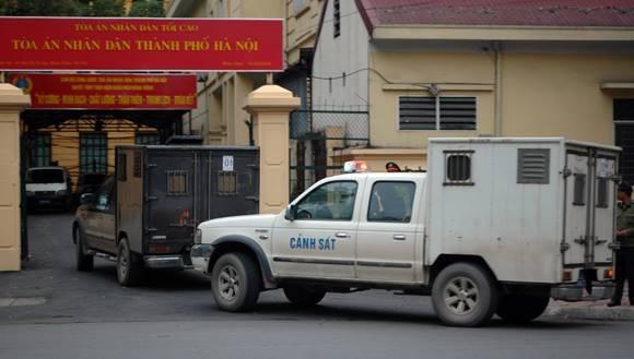 """Xét xử đại án """"bầu"""" Kiên: Rút phần truy tố đối với ông Trần Xuân Giá ảnh 2"""