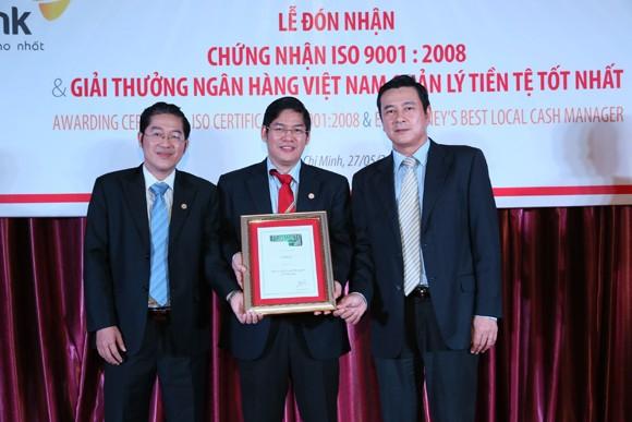 """HDBank nhận giải thưởng """"Ngân hàng Việt Nam quản lý tiền tệ tốt nhất"""" ảnh 1"""