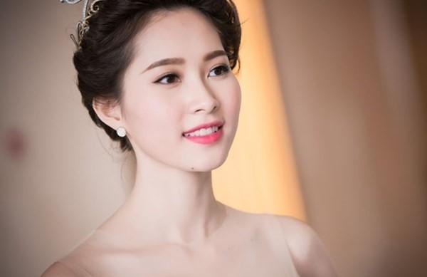 """Người đẹp """"sống thử"""" sẽ không được thi Hoa hậu ảnh 1"""