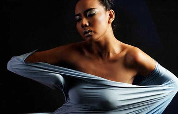Lại Thanh Hương chán nude, phá cách trong kén lụa gợi cảm ảnh 5