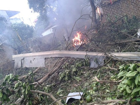Hình ảnh hiện trường vụ máy bay quân sự Mi-171 rơi khi huấn luyện ở Hoà Lạc ảnh 2