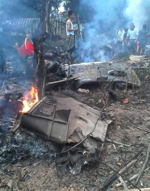 Hình ảnh hiện trường vụ máy bay quân sự Mi-171 rơi khi huấn luyện ở Hoà Lạc ảnh 1