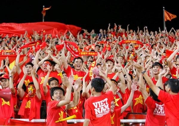 Cổ động viên U19 Việt Nam hiến kế khi đi xem trận chung kết ảnh 1