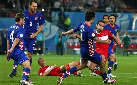 Czech và Croatia và Ireland giành lợi thế
