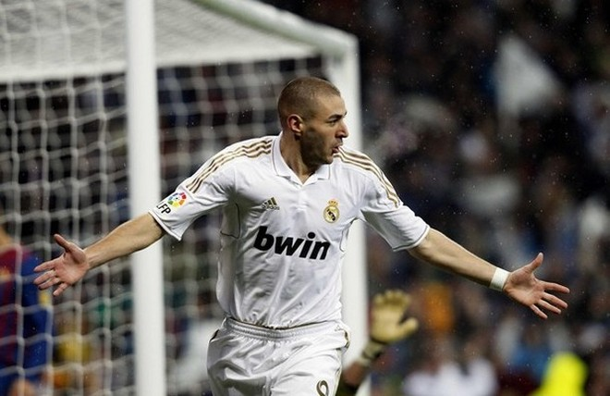 Benzema ghi bàn mở tỉ số