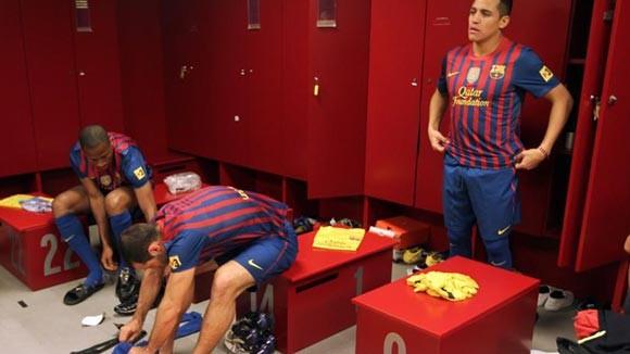 Phòng thay đồ của Barcelona bị UEFA kiểm tra đột xuất