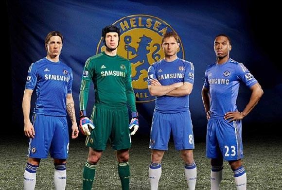 Chelsea ra mắt áo đấu mùa 2012/13