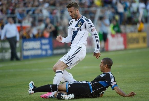 Beckham lĩnh án phạt vì hành động phi thể thao ảnh 1