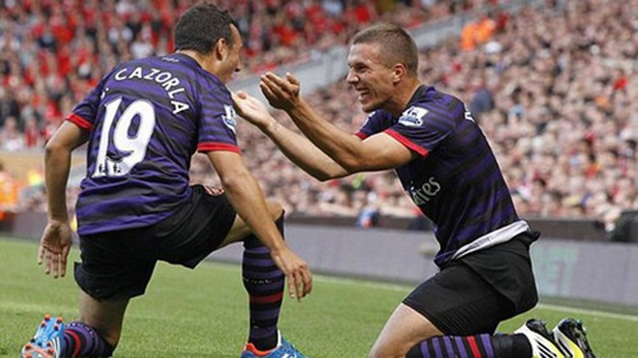 Podolski và Cazorla tỏa sáng, Arsenal hạ Liverpool ảnh 2