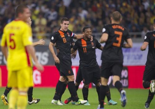Hà Lan, Italy đại thắng, TBN và BĐN gây thất vọng ảnh 1