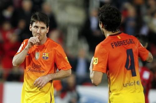 Barcelona và Real Madrid trầy trật kiếm 3 điểm ảnh 1