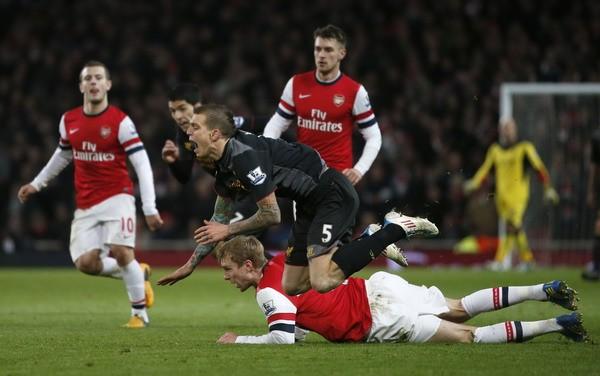 """Rooney giúp M.U """"bay cao"""", thành London gây thất vọng ảnh 1"""