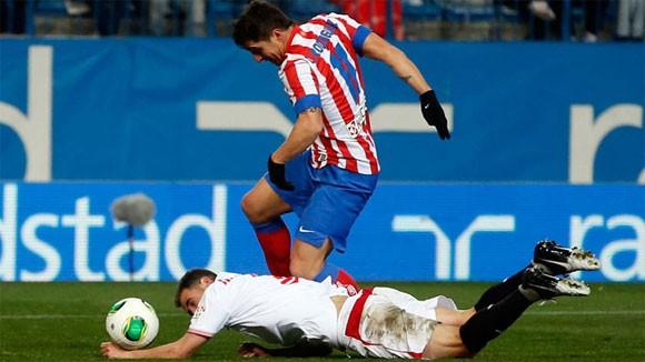 3 thẻ đỏ, 3 quả phạt 11m, Atl thắng Sevilla ảnh 1