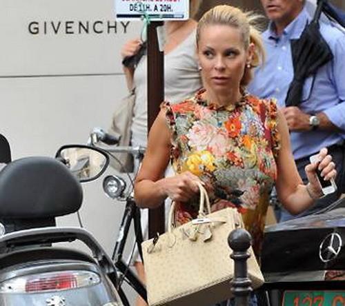 """Vợ Ibrahimovic bị hooligan PSG giật túi xách """"hàng hiệu"""" ảnh 1"""