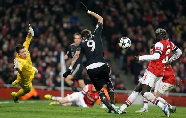 """Arsenal """"sụp đổ"""" trên sân nhà, Porto thắng nhẹ ảnh 2"""