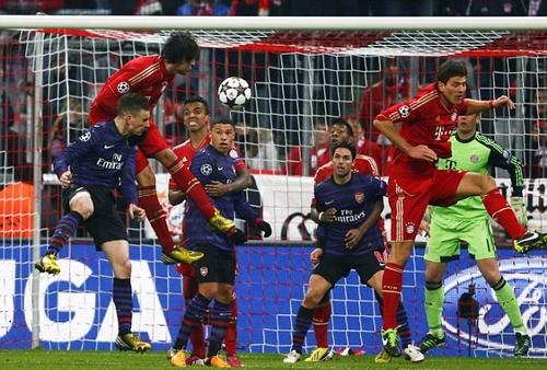 """Arsenal """"khóc ròng"""" sau chiến thắng 2-0 trước Bayern Munich ảnh 2"""