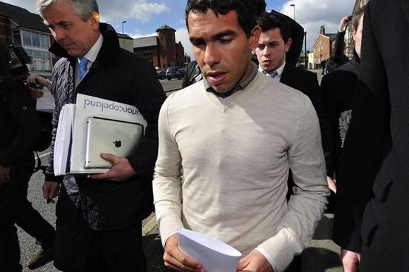 Tevez thoát án tù, phải lao động công ích 250 giờ ảnh 2