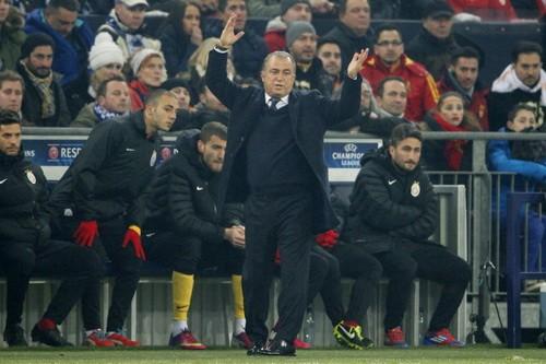 Cãi trọng tài, HLV Galatasaray bị cấm chỉ đạo 9 trận ảnh 1