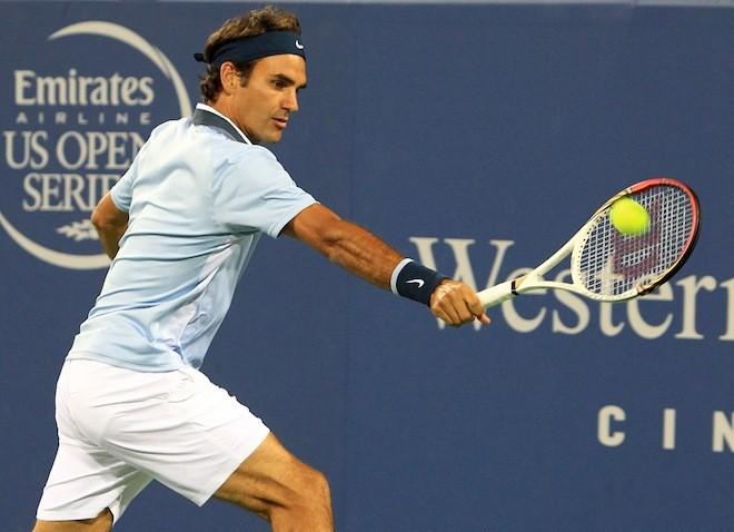 Dùng lại vợt cũ, Federer giành chiến thắng ảnh 1