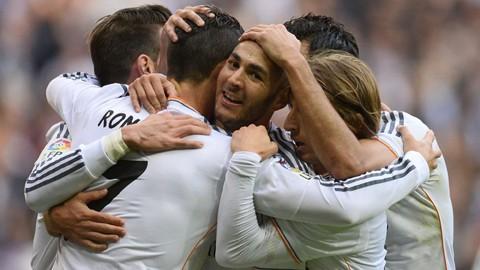Ronaldo vượt lên trên Messi ảnh 1