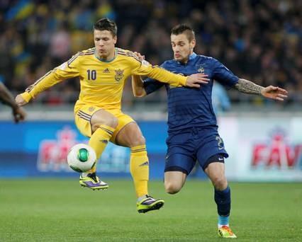 """Ukraina 2-0 Pháp: """"Gà trống"""" im tiếng ở Kiev ảnh 2"""