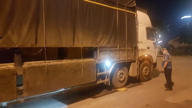Thanh tra giao thông phát hiện xe ôtô vi phạm trọng tải 'khủng' ảnh 1