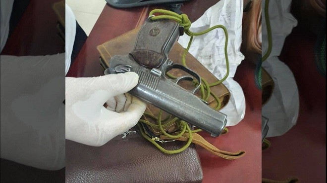 Khởi tố bố đẻ tàng trữ ma túy, súng quân dụng, bạo hành dã man con gái ở Bắc Ninh ảnh 2