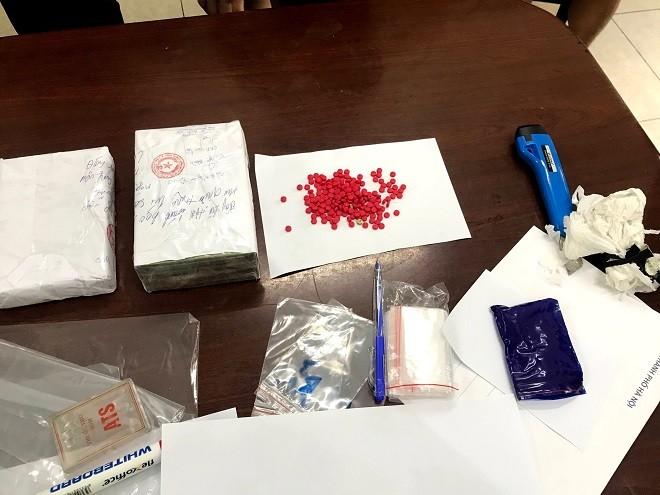 'Nữ quái' thuê ô tô 'ship' 3 bánh heroin từ Sơn La về Hà Nội ảnh 3