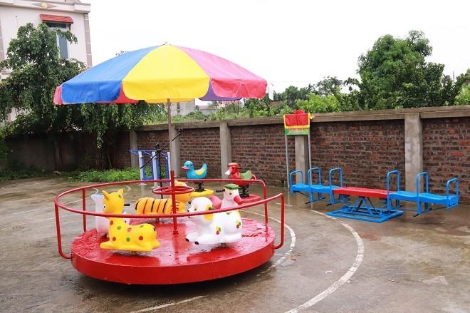 Công an quận Long Biên xây dựng sân chơi thiếu nhi cho trẻ em khó khăn ảnh 3
