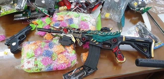 Xử lý một cửa hàng kinh doanh đồ chơi bạo lực cho trẻ em ảnh 4