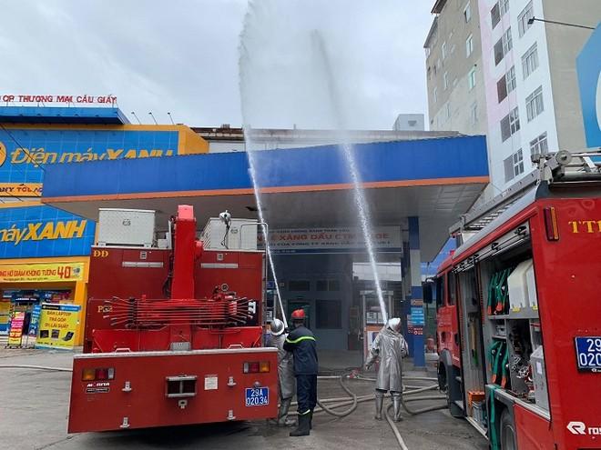 Cứu nhân viên mắc kẹt trong đám cháy giả định tại cây xăng CTM -GGE ảnh 8