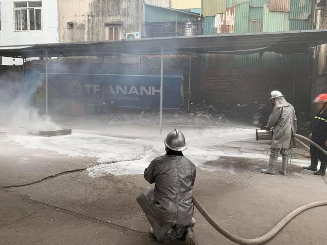 Cứu nhân viên mắc kẹt trong đám cháy giả định tại cây xăng CTM -GGE ảnh 6