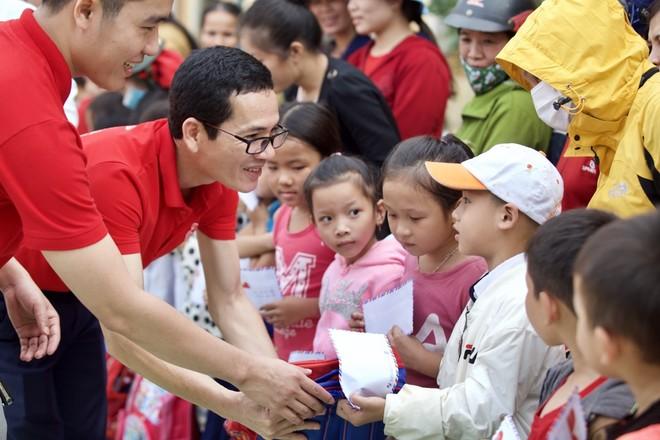 Generali Việt Nam hỗ trợ hơn 6,5 tỷ đồng cho hàng nghìn hộ gia đình ở miền Trung ảnh 3