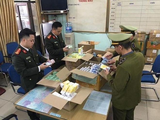 Hà Nội: Phát hiện hơn 8.000 điếu thuốc lá điện tử không hóa đơn chứng từ ảnh 1