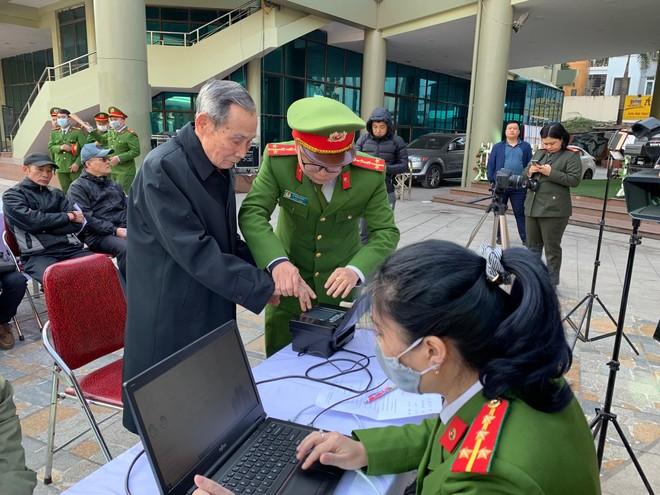 Công an quận Hai Bà Trưng thực hiện cấp căn cước công dân lưu động ảnh 5
