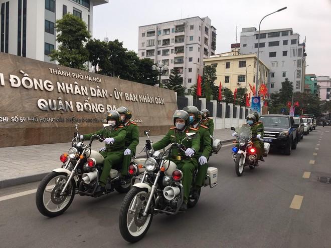 Ra quân năm an toàn giao thông, triển khai cao điểm cấp căn cước công dân ảnh 4