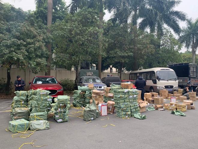 Công an Hà Nội phát hiện 39.000 sản phẩm khóa và phụ kiện cửa giả ảnh 4